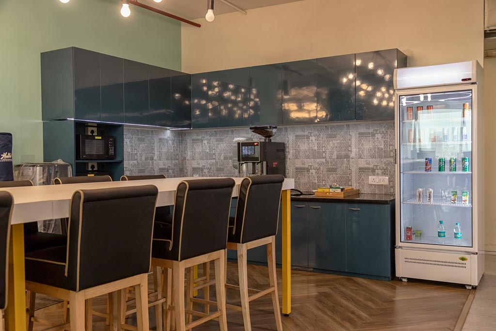 workwise-coworking-spaces-cafeteria